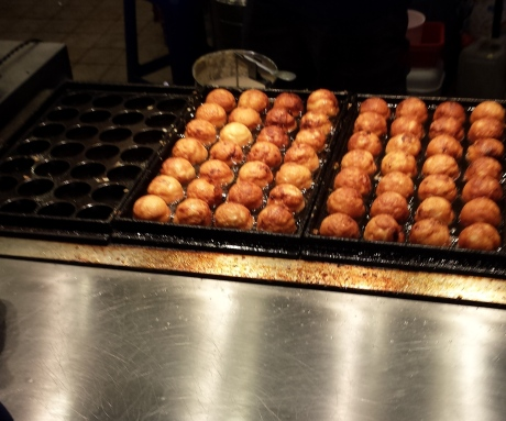 These squid balls take a long time to make。Very high in cholesterol though。