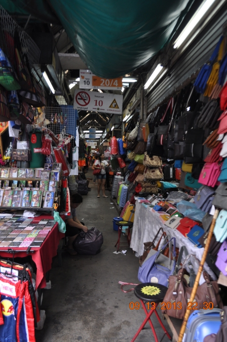 A typical open market at Bangkok's Ratchadamri Road.