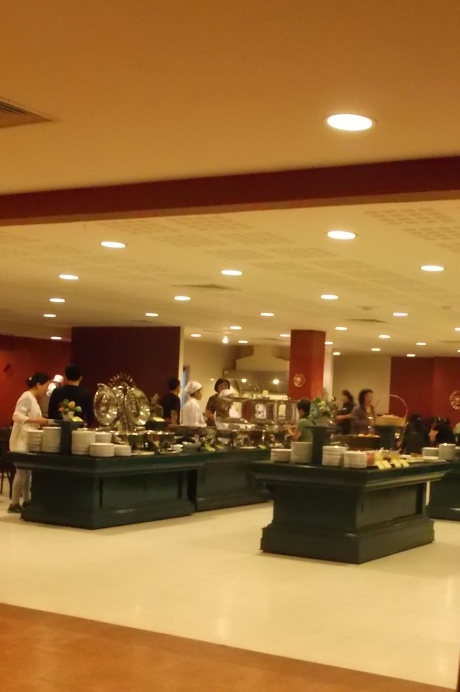 This dinning section looks nicer than the one we went to.