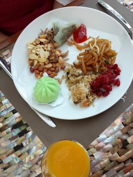 Fried rice. 潮州裸條, stirred fried. More 包子 and 潮州粉果, etc.